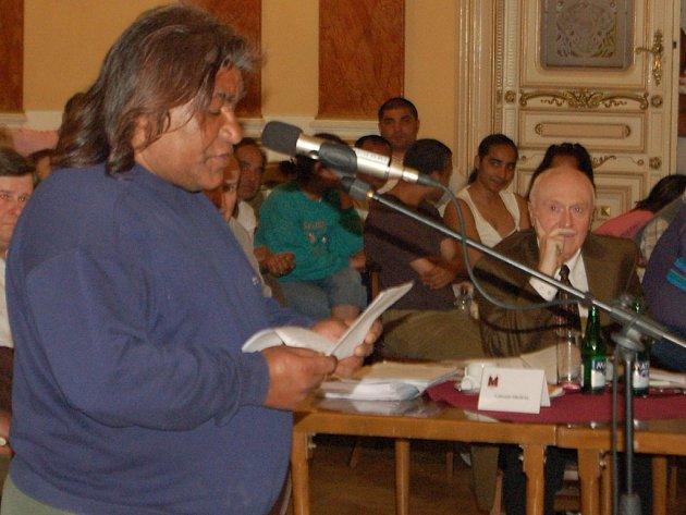 Romové již dříve projevovali nesouhlas s prodejem domů.