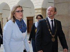 Hranickou radnici navštívila ve čtvrtek 19. listopadu ministryně pro místní rozvoj Karla Šlechtová.
