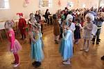 Přes padesátku masek a ještě více dětí přilákal v sobotu do zámku v Potštátu tradiční maškarní karneval.