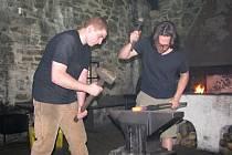 Američtí kováři na Helfštýně