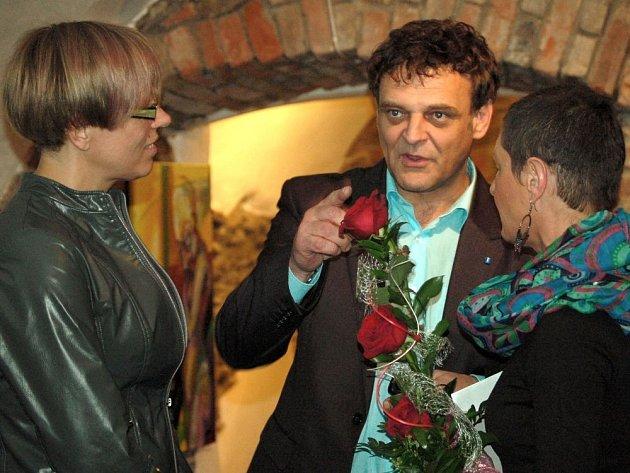 Vernisáž děl Miloše Šedivého v nově otevřené hranické galerii.