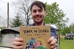 Tomáš Vejmola vydal knihu o své cestě.