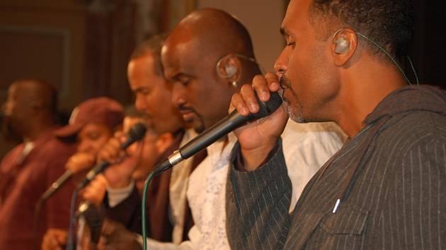 Americký vokální sextet Take 6 rozparádil ve čtvrtek návštěvníky přerovského jazzového festivalu.