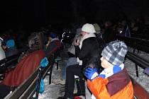 I v mrazivém počasí trávili Hraničtí silvestrovský podvečer v letním kině. Promítal se zde animovaný film pro celou rodinu Jak vycvičit draka.