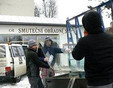 Rekonstrukce smuteční obřadní síně v Hranicích probíhá i přes zimu