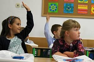 Do lavic třídy pro nadané děti v Základní škole Šromotovo v Hranicích usedlo v úterý 1. září celkem třináct žáků.