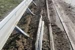 Po řidiči, který mezi 26. a 27. březnem poškodil svodidla na 308. kilometru dálnice D1 u Hranic
