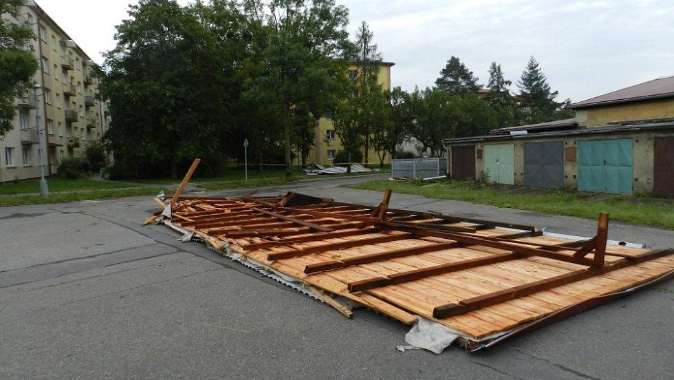 Následky bouřky 28.7.2020 na hranickém sídlišti Struhlovsko