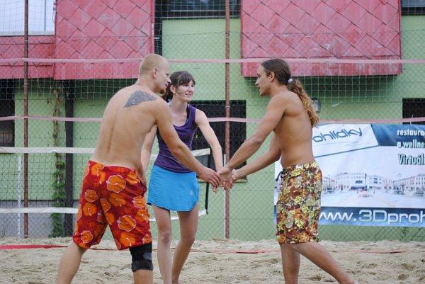 Beachvolejbalový turnaj Switch cup vDrahotuších
