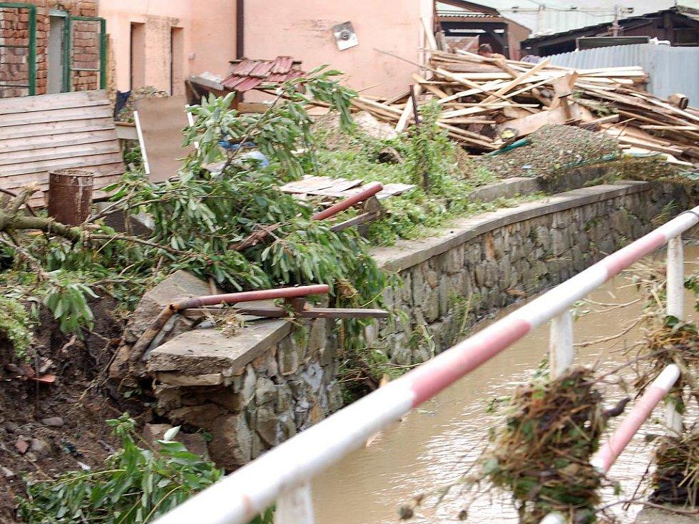 Následky záplav v Hustopečích nad Bečvou v červnu 2009. Ilustrační foto