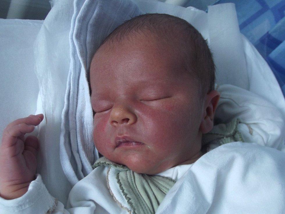 Michal Matula, Vrbátky, narozen dne 11. května 2013 v Přerově, míra: 52 cm, váha: 3890 g
