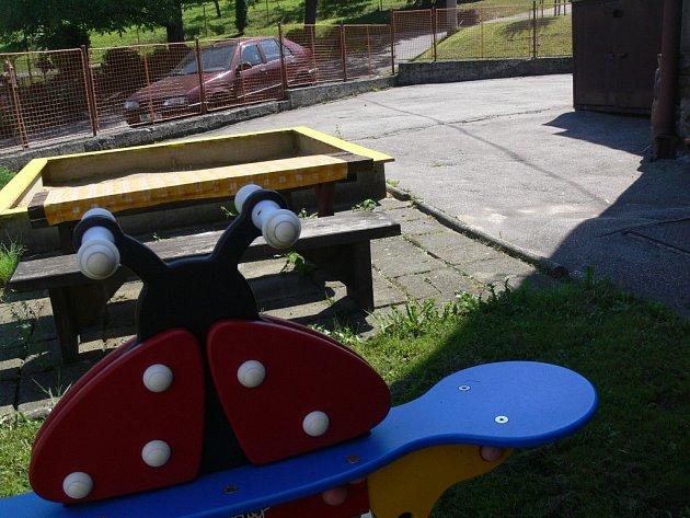 Hřiště ve školce v Paršovicích čeká rekonstrukce