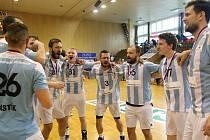 Házenkáři Hranic s bronzovými medailemi se radují.