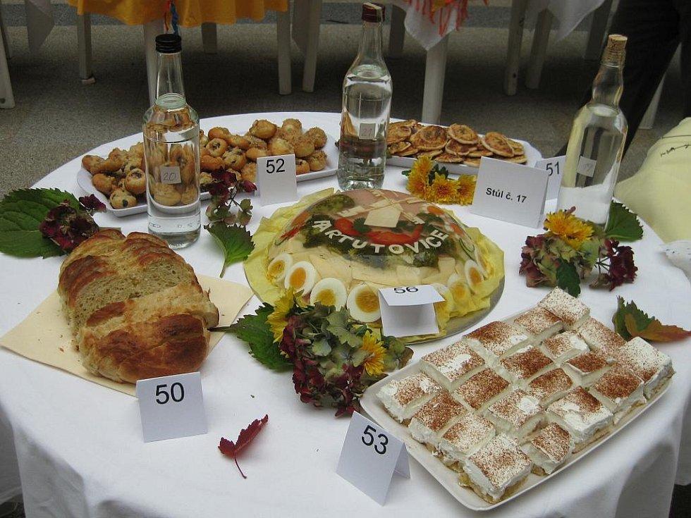 2. místo - stůl číslo 17 - Dámský spolek Partutovice.