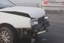 Řetězová nehoda mezi Přerovem a Kokorami.