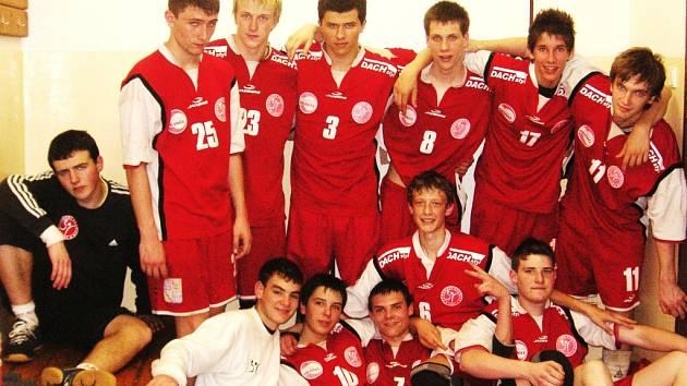 TJ Cement strávil velikonoční svátky na největším evropském mládežnickém turnaji v Praze.