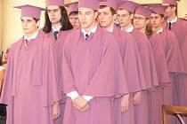 V pátek 30. května se konalo na radnici v Hranicích slavnostní předávání maturitních vysvědčení.