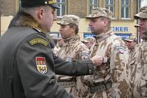 Příslušníci 7. mechanizované brigády z Hranic dostali medaile za působení v Afghánistánu.