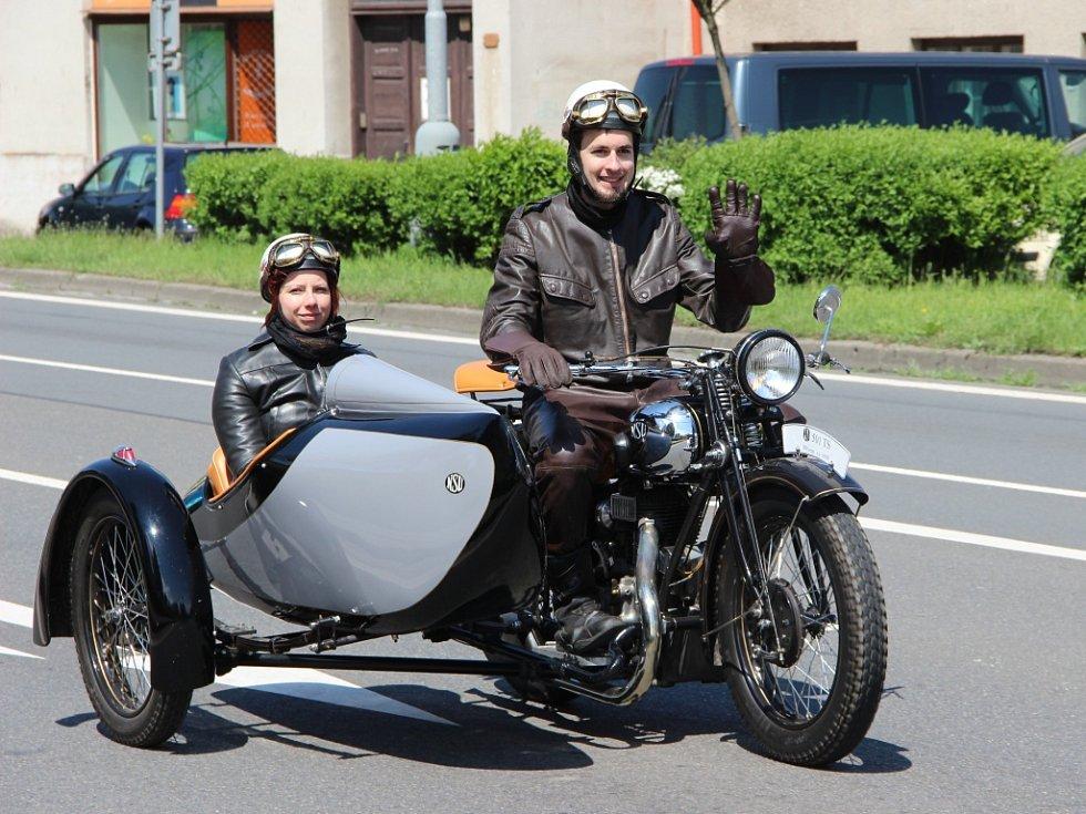 Devátý ročník Air-auto-moto veteranfestu v Drahotuších