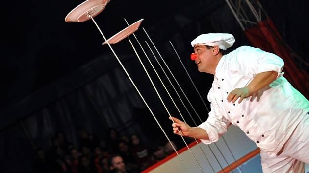 Momentky z představení cirkusu Carini v Hranicích
