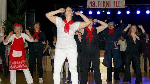 Farní ples v Hranicích