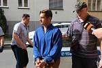 O uvalení vazby na tři muže, kteří byli obviněni z vraždy bezdomovce v Hranicích, rozhodoval ve středu 30. května v pozdních odpoledních hodinách Okresní soud v Přerově.