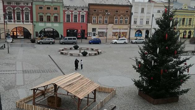 Vánoční strom na hranickém náměstí, 23.11. 2020