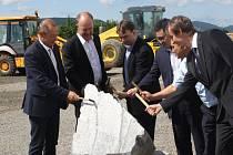 V hranickém CTParku byl položen základní kámen nové výrobní haly korejské společnosti DAS.