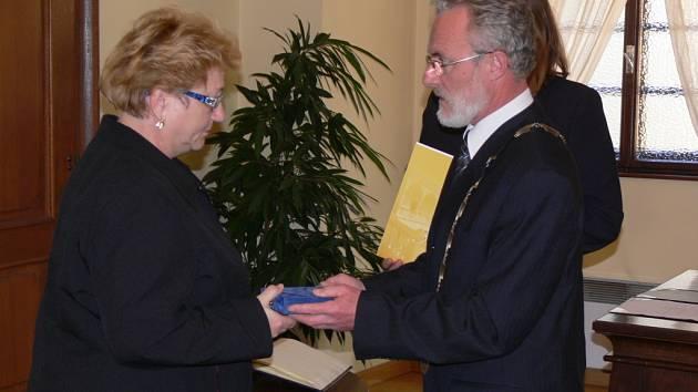Cenu města v roce 2008 dostal in memoriam Rudolf Novák. Převzala ji jeho manželka Alena Nováková.