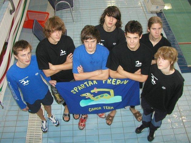 Úspěšné družstvo plavců Spartaku Přerov.