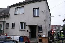 Požár ve sklepě rodinného domu v Radslavicích likvidovali v pondělí přerovští hasiči.