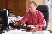 Radomír Macháň dříve pracoval jako zástupce ředitel v Hranicích a v Hustopečích nad Bečvou.