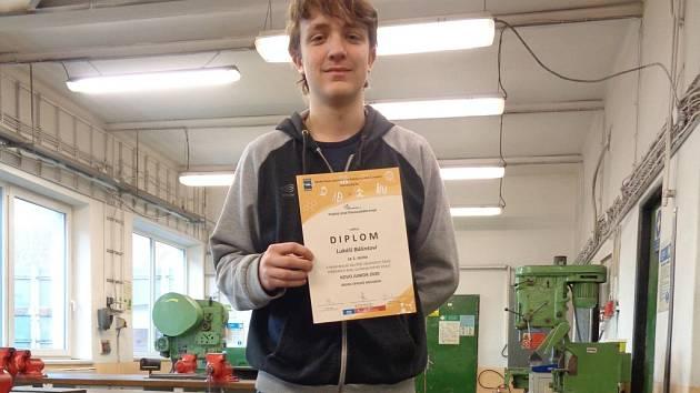 Lukáš Bálint za Střední průmyslové školy Hranice postoupil do celostátního kola v soutěži Kovo junior 2020.