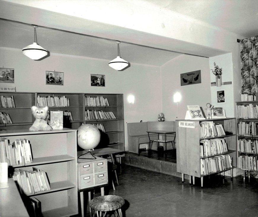 Rok 1972. Dětské oddělení, ulice Křižkovského.