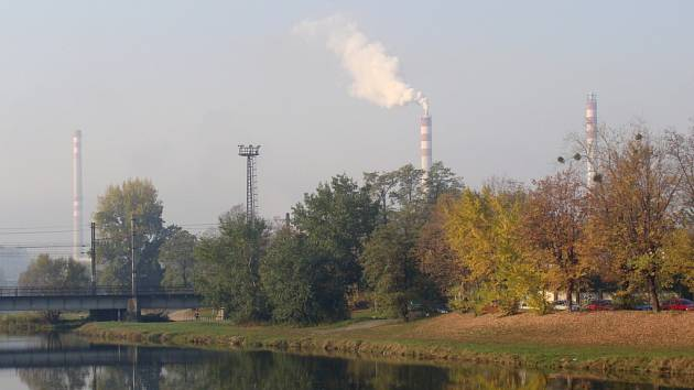 Obyvatelé v Přerově si stěžují na zápach. Obávali se, zda nejde o znečištění ovzduší z místní průmyslové zóny. Podle odborníků je však důvodem zhoršení kvality vzduchu zvýšení koncentrace polétavého prachu.