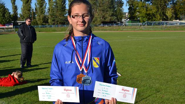 Hranická vrhačka Barbora Odstrčilová má dvě medaile z mistrovství Moravy a Slezska.