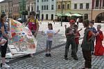 Děti z tábora hrály divadlo na náměstí
