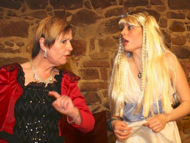 Divadlo Schod zahraje v Zámeckém klubu Hamleta.