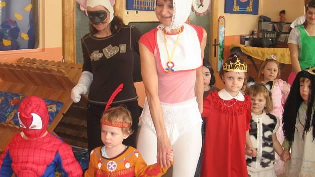 V hranické mateřince Pohádka se konal maškarní karneval.