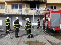 Požár v jednom z bytů ve Zborovské ulici v Hranicích
