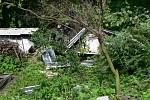 Vichřice zcela poničila střechu jednoho rodinného domu nedaleko hranické hřbitova.