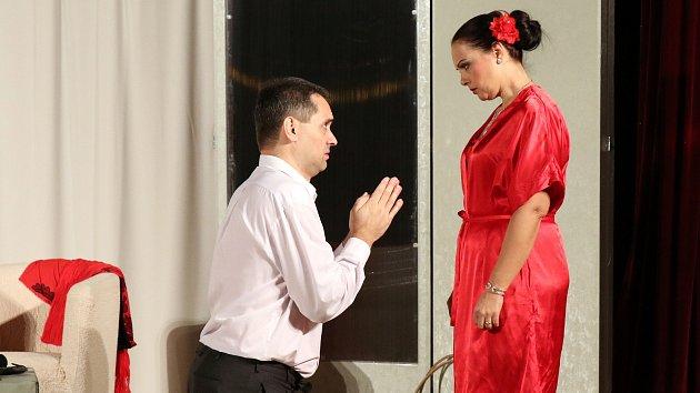 Komedie Dokud nás milenky nerozdělí hranického Divadla Ventyl