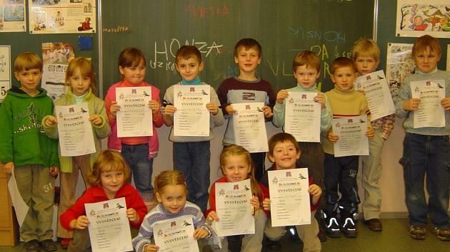 Pozvali předškoláky do školy.