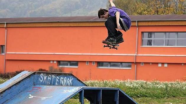 oučasný pohled na skatepark v Hranicích.