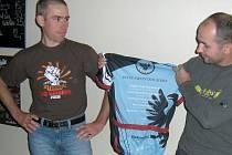 Dres za celkové vítězství v INTER-MOUNTAIN-SERIES (IMS) 2008 převzal hranický biker Karel Hartl.