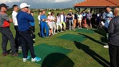 Kvalitně obsazený turnaj dvojic na golfovém hřišti v Radíkově