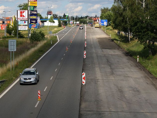 Silnice ze Slavíče do Bělotína se již rekonstruuje.