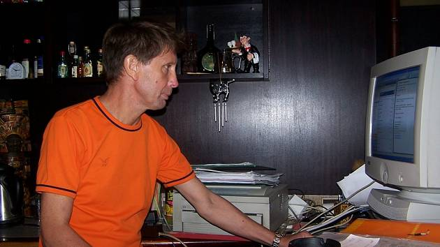 Dvě firmy, několik jazyků a sedmnáct let bez dovolené, to je přerovský podnikatel Miroslav Chlapeček.