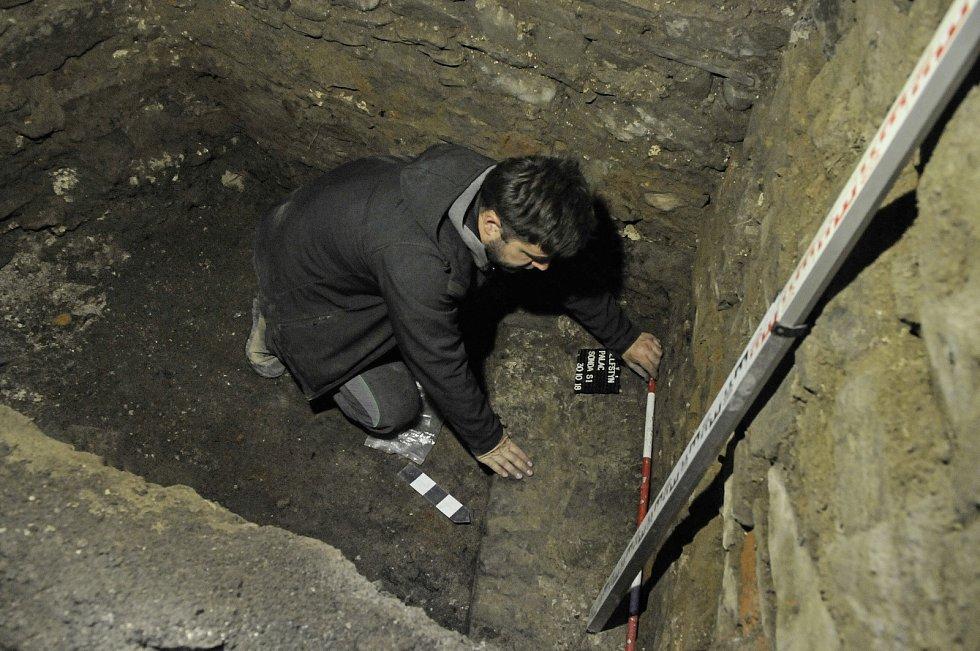 Výzkum v paláci hradu Helfštýna, který prochází rekonstrukcí, přinesl zajímavé objevy.