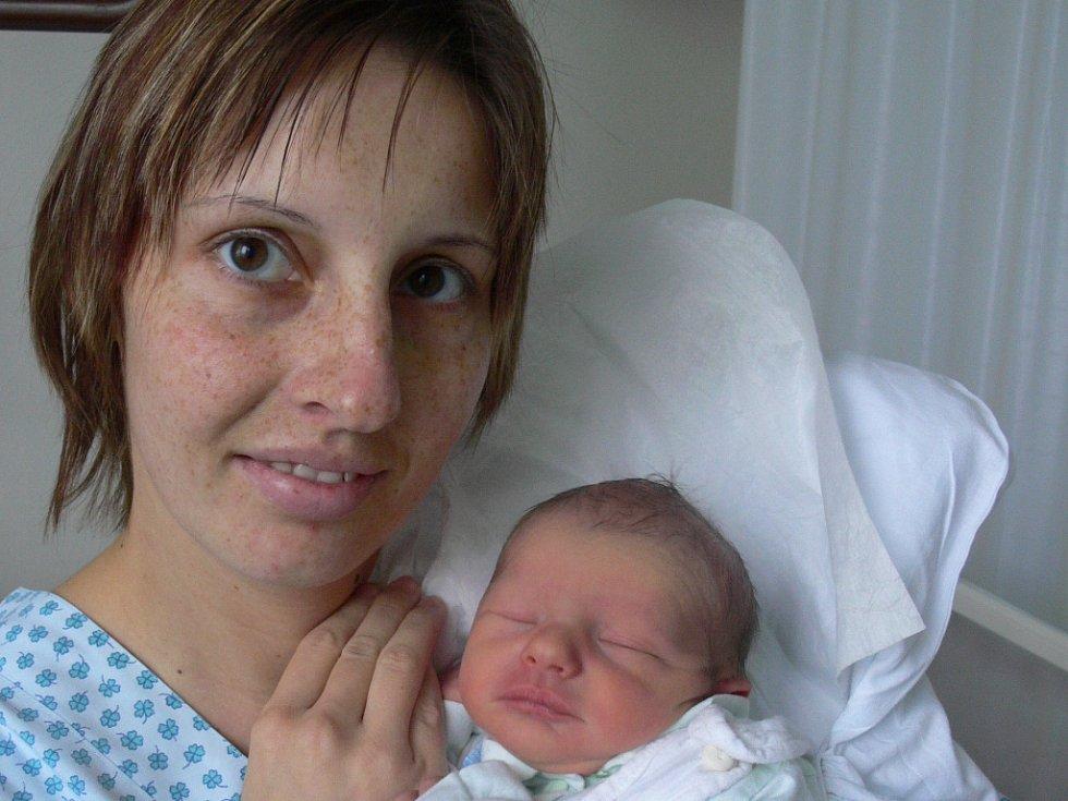 Lucie Křivková, Lanškroun, syn David Křivka, narozen 12. 11. 2007 v Přerově, váha: 3,23 kg